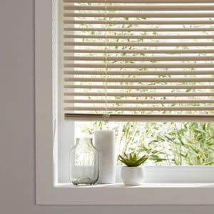 Cream PVC Venetian Blind (W)60cm (L)180cm