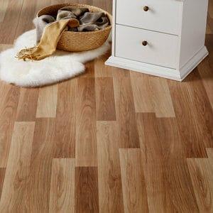Goldcoast Natural Oak effect Laminate Flooring
