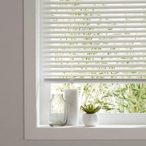 Studio White Aluminium Venetian Blind (W)90cm (L)180cm