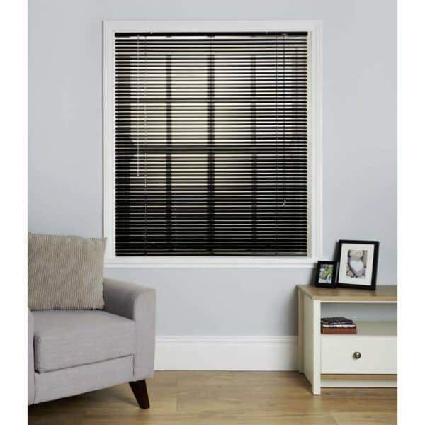 Wilko Black Aluminium Venetian Blind 150 W x 160cm D