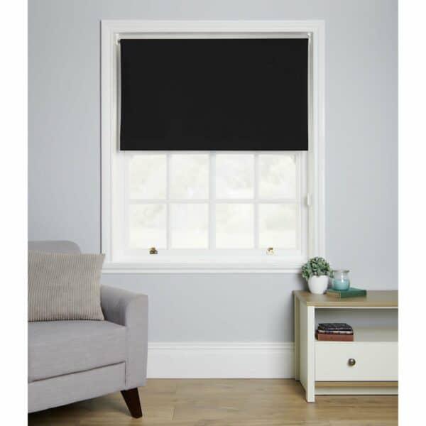 Wilko Black Blackout Roller Blind 120 W x 160cm D 100% Polyester