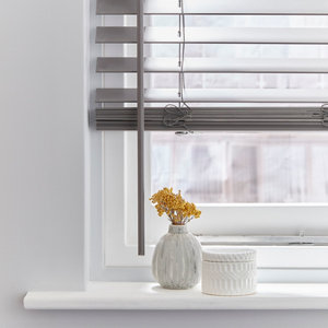 Grey Woodgrain effect Polyvinyl chloride (PVC) Venetian Blind (W)120cm (L)180cm